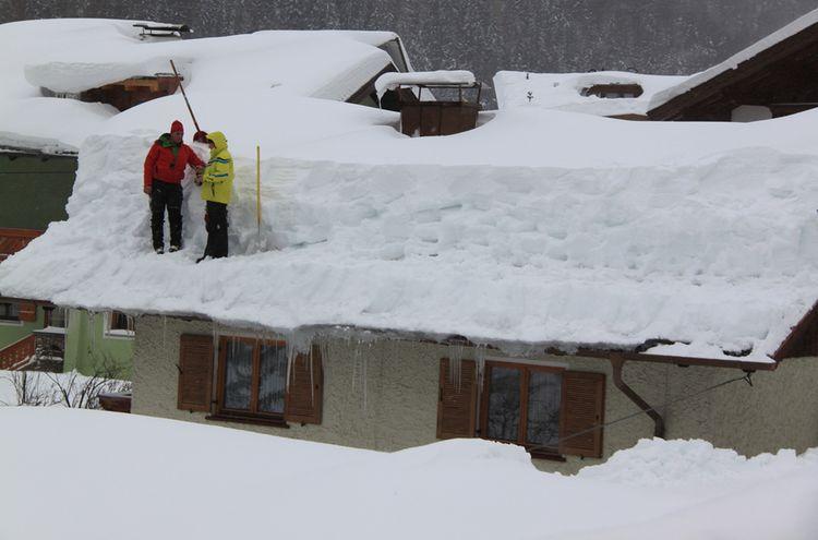 11012019 Schnee Dach Symbolbild