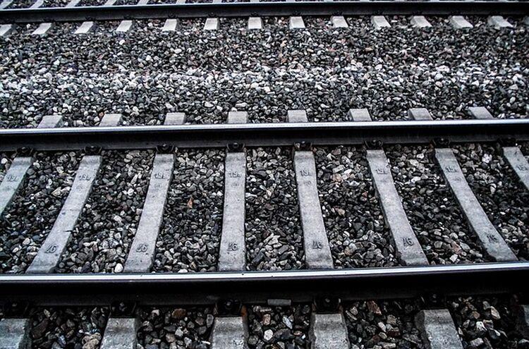Bahngleis Symbolbild 1