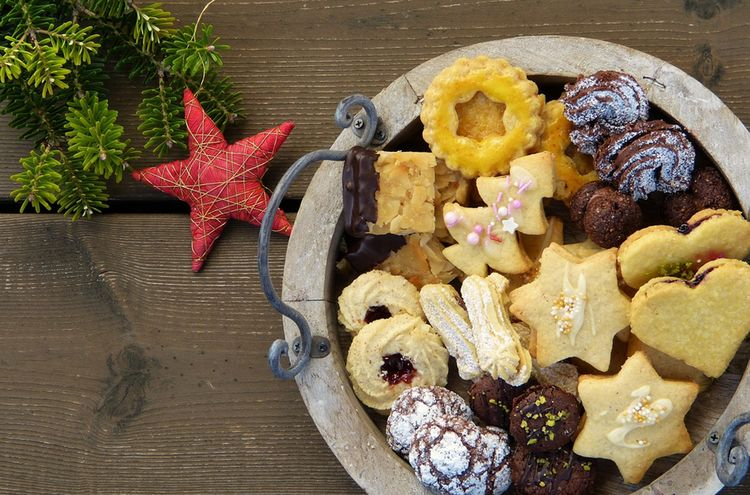 Christmas Cookies 2975570 1280