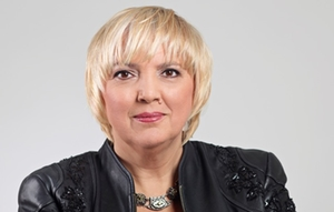 claudia-roth-portrait