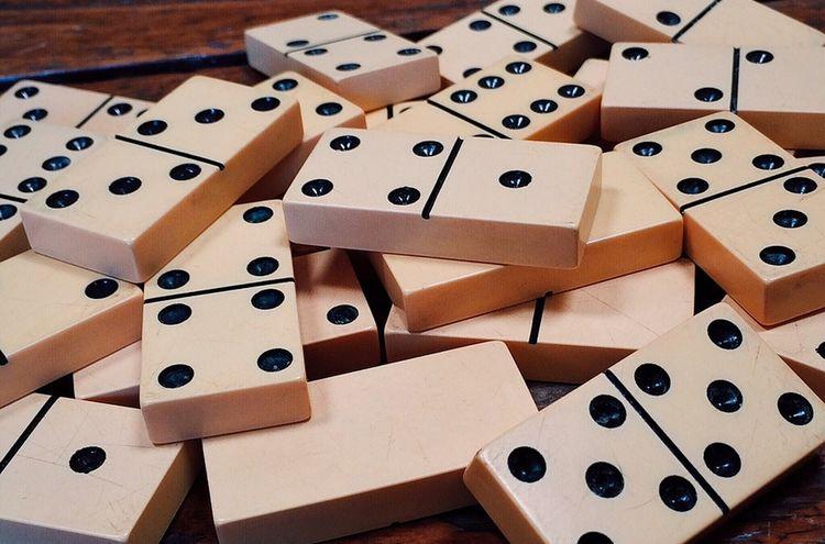 Dominoes 1615704 960 720