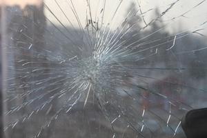 einbruch-einschalg-glas-zerbrochen