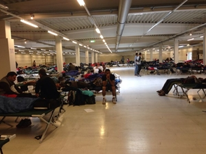 fluechtlinge-industriehalle-freilssing-2