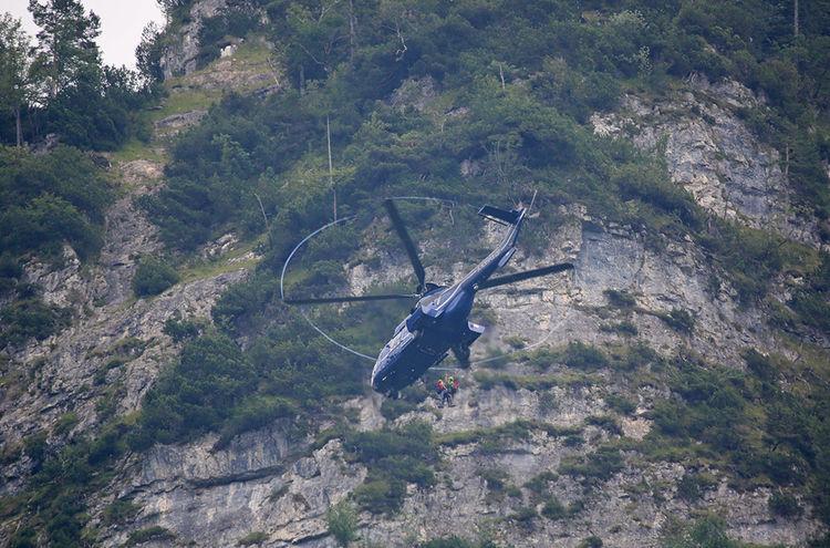 Hubschrauber Felswand