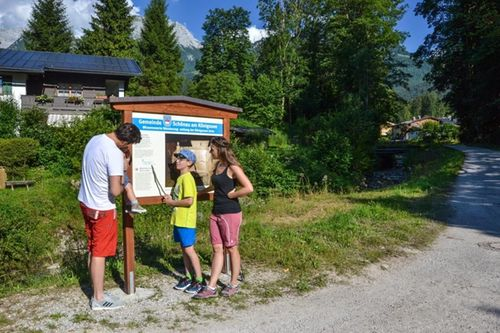 Koenigsseer Wanderweg Foto Touristinfo Schoenau Am Koenigssee
