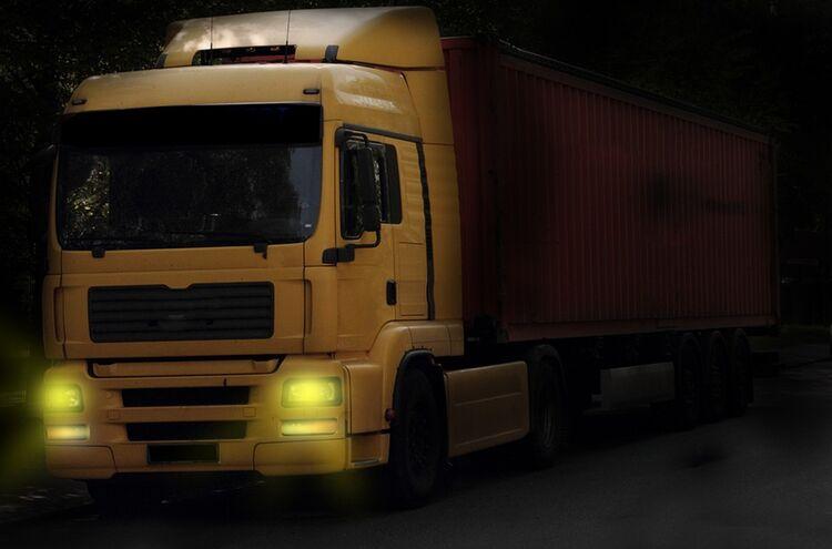 Lastwagen Nacht