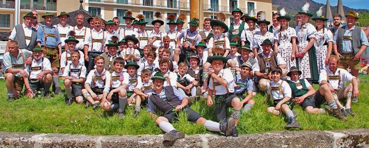 Maibaumaufstellen 2017 in Berchtesgaden