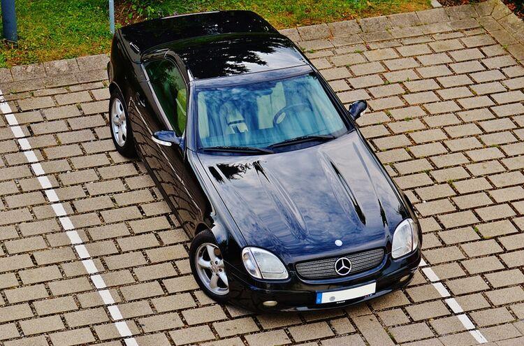 Parkplatz Auto