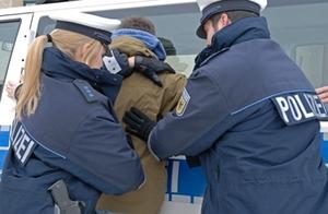polizei_festnahme