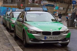 Polizeiautos_grün