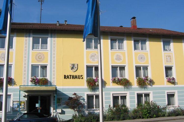 Rathaus Aussen 09 03