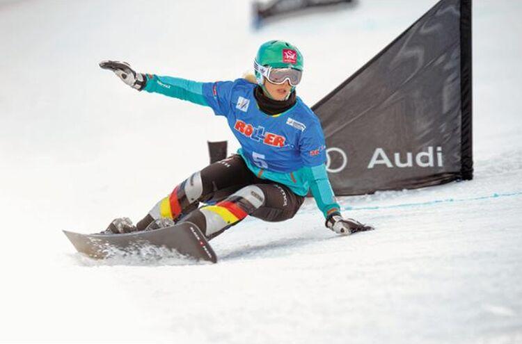 Snowboarderin2