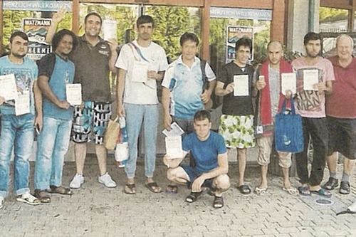 Sparkasse Bgl Schwimmkurs Asylberwerber