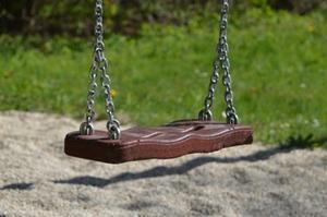spielplatz-schaukel-symbolbild