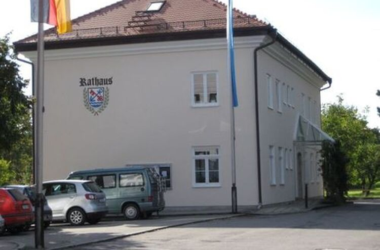 Uebersee Rathaus 1