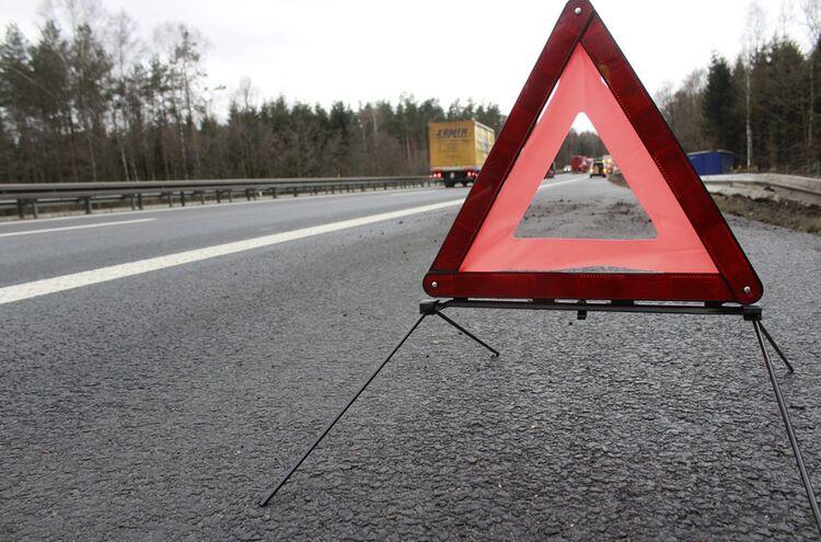 Unfall Symbolbild Warndreieck