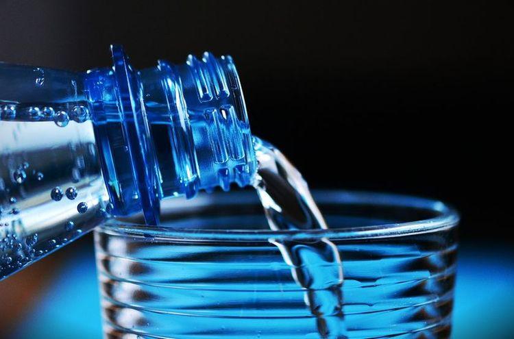 Wasserflasche 1