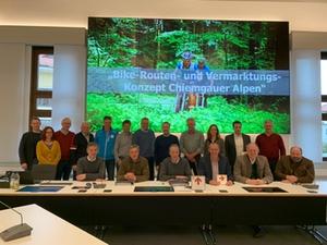 Vertragsunterzeichnung Bike Region Chiemgauer Alpen