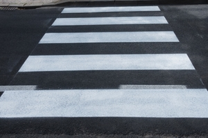 Zebrastreifen-Straße-Verkehr